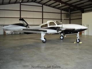 Cessna 310 R II Ext1